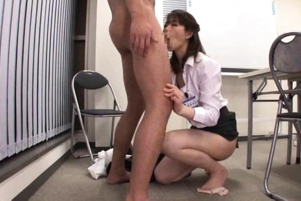 Japanese av model. Japanese AV Model goes nasty on penish in sexy